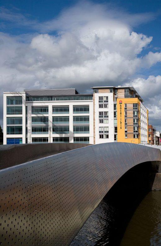 Ibis World Logo Hotel Ibis, Bristol - ...